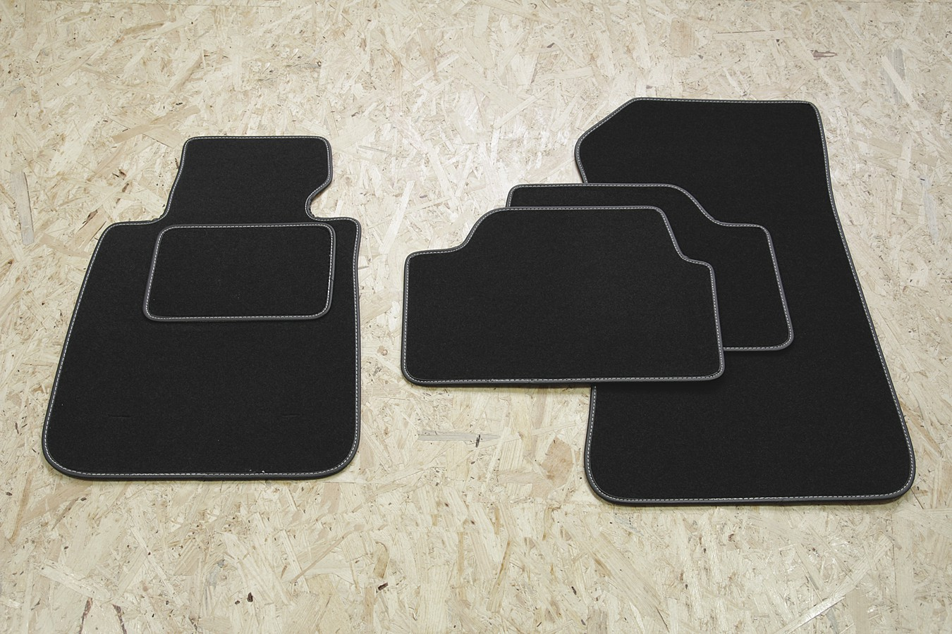 prime tapis de sol pour bmw s rie 1 e87 cinq portes 2004 2011 paillassons pour bmw. Black Bedroom Furniture Sets. Home Design Ideas
